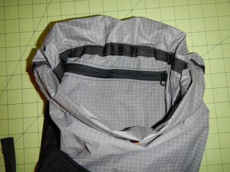 Internal zippered pocket