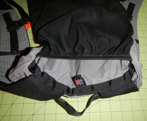 Pocket for hydration bladder and/or foam support pad
