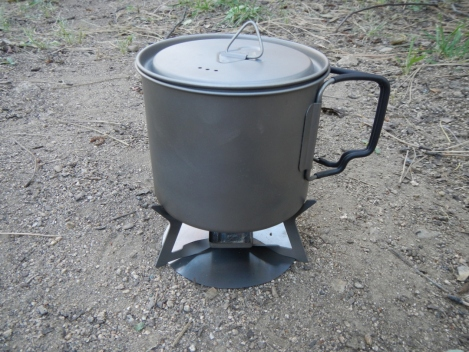 550 pot seated on wing stove.