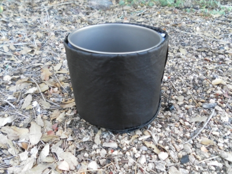 550ml pot fits perfectly, simply roll the excess extension collar down the side